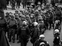 La SQ prend le relais du SPVM pour encercler la première arrestation de masse du 1er mai.