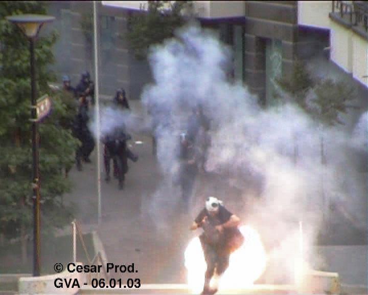 guy-smallman-2003-stun-grenade-3